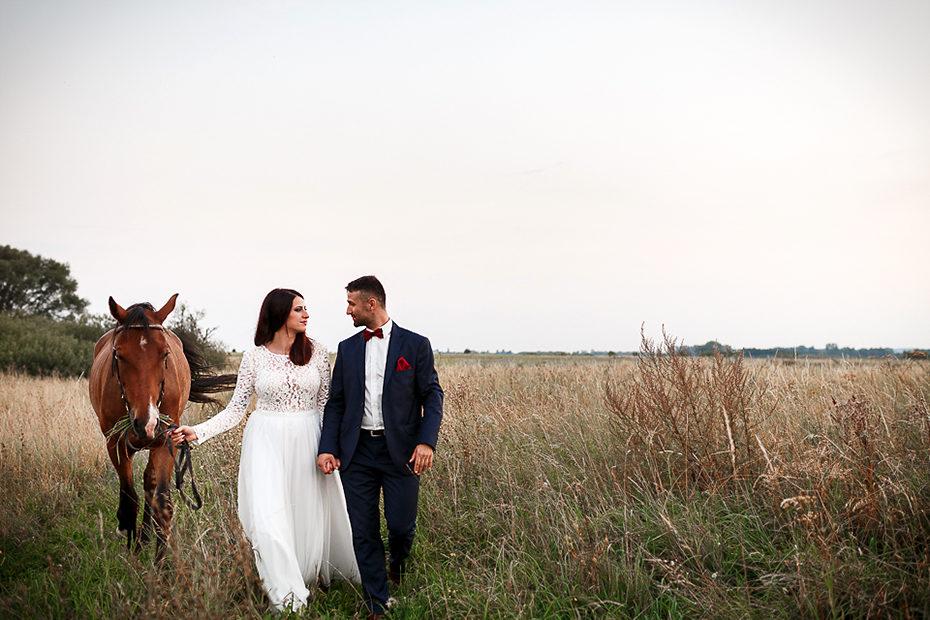 Natural Wedding Photoshoot - Baltic Sea Wedding