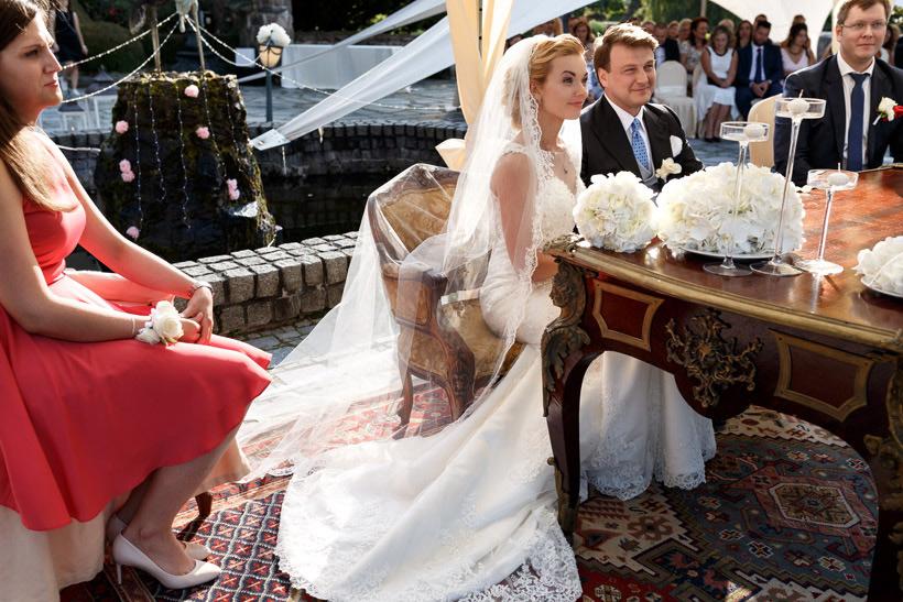 beautiful outdoor palace wedding in kent