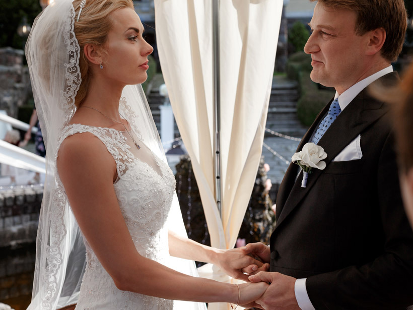 emotional vows wedding outdoor palace in kent