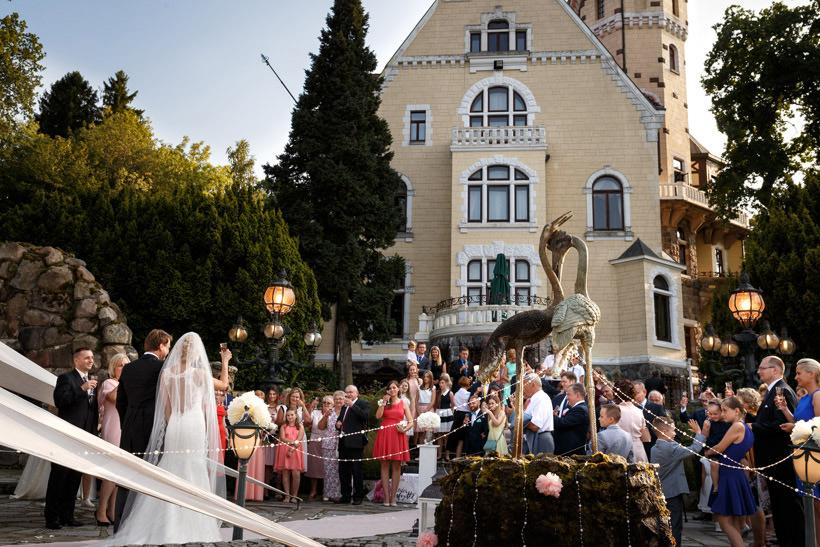 classy wedding in palace kent photographer