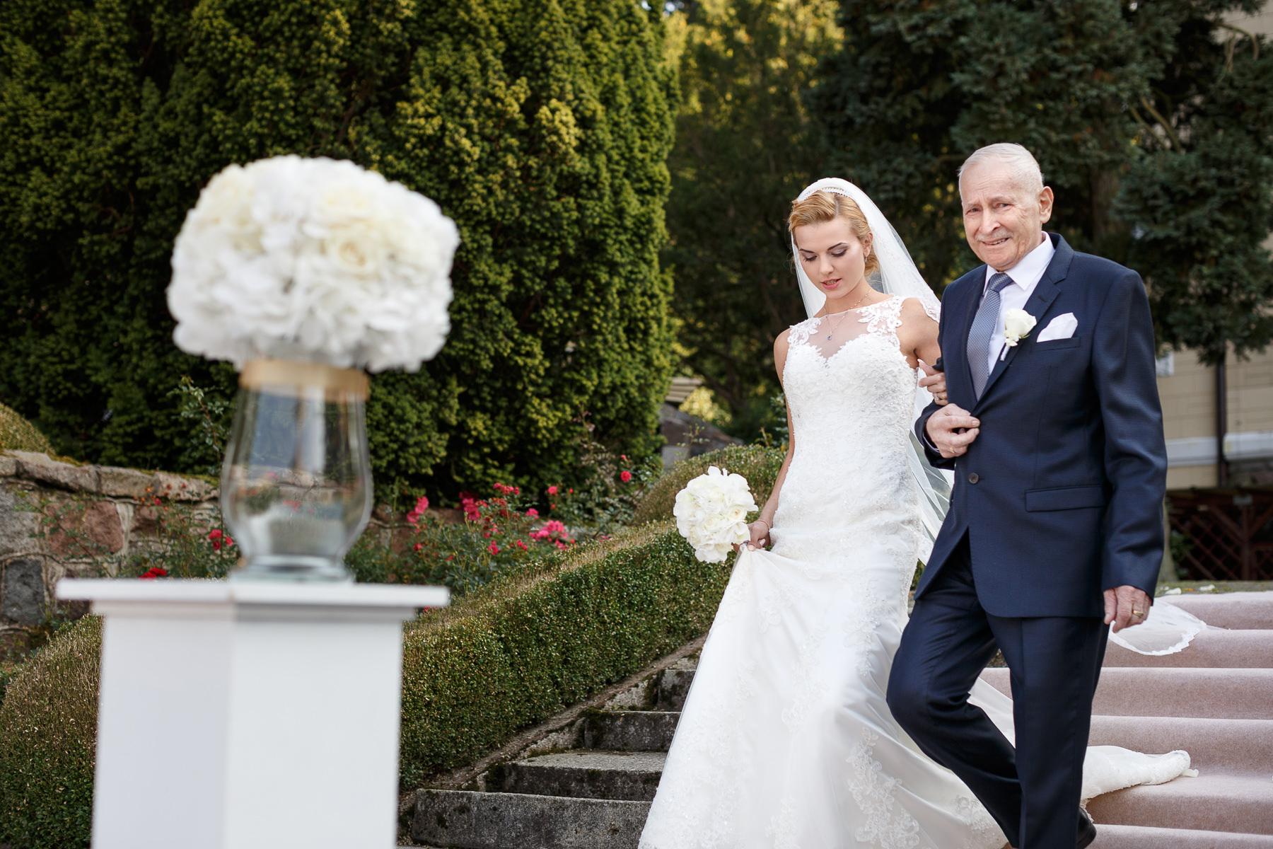 bride and father photos