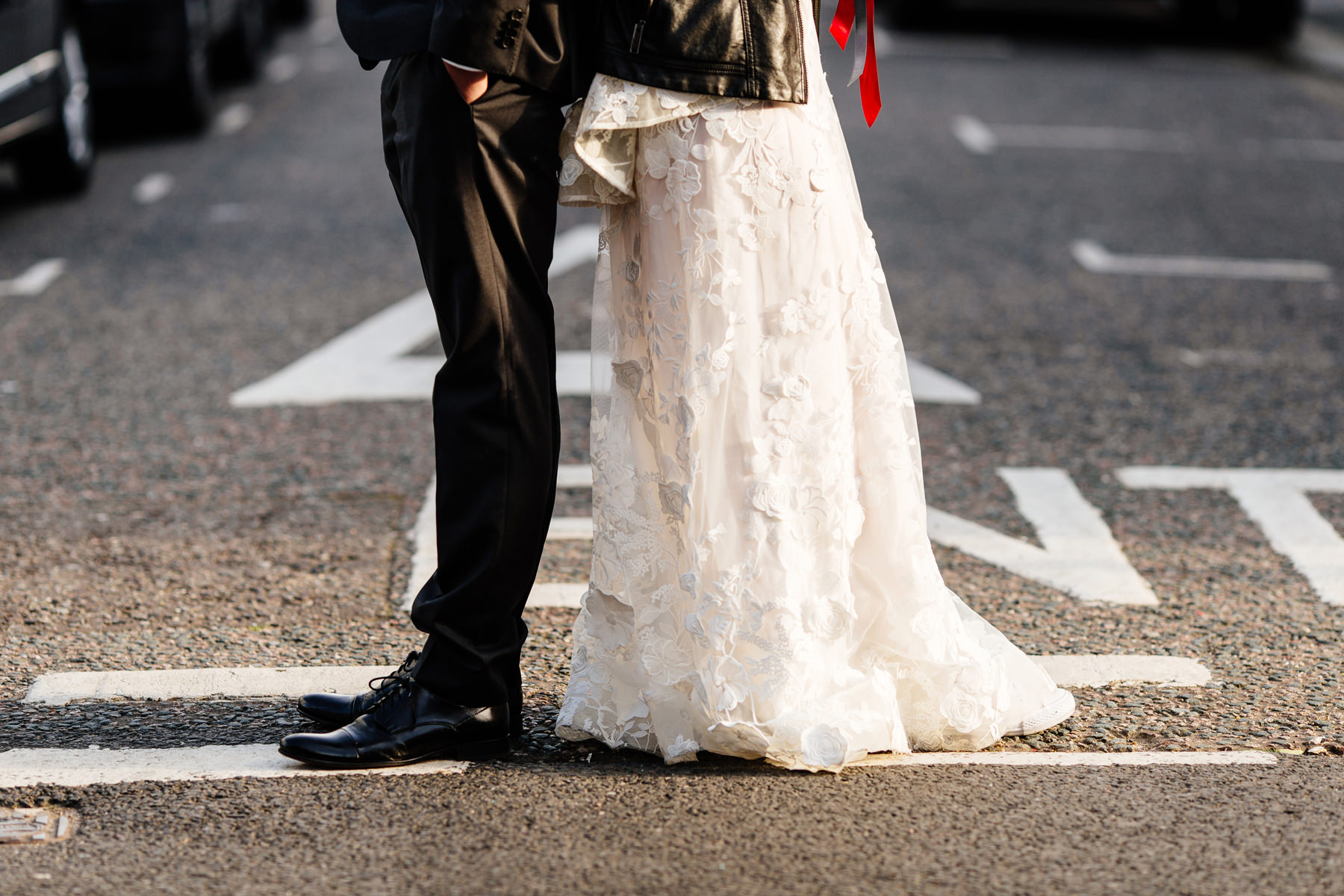 notting hill wedding couple
